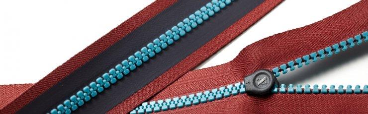 X3 plastic water resistant zipper